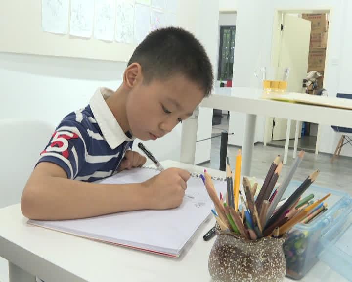 十岁男孩举办个人画展6.jpg